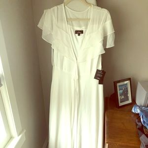 Lulus NWT maxi flutter dress